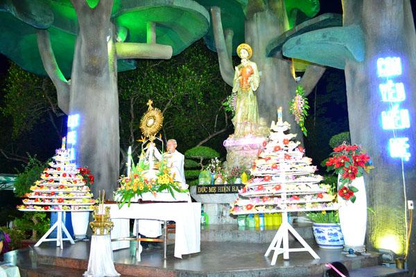Giáo dân Việt Nam sùng kính Mẹ Maria – La Vang 15/08/2012