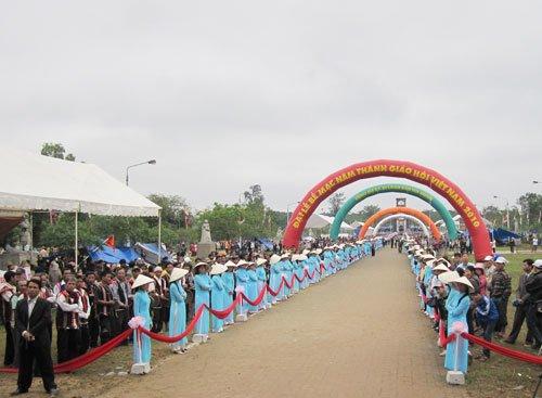 Lễ Bế Mạc Năm Thánh 2010 và Đại Hội La Vang 29 – Giờ đón tiếp các phái đoàn tại Linh địa La Vang
