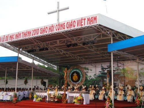 Lời cám ơn của Linh Mục Quản Nhiệm La Vang Giacôbê Lê Sĩ Hiền tại Lễ Bế Mạc Năm Thánh 2010 và Đại Hội La Vang 29