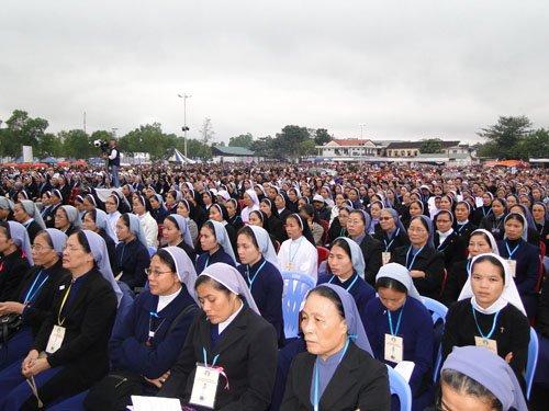 Cảm nhận của một nữ tu khi tham dự Lễ Bế Mạc Năm Thánh 2010 và Đại Hội La Vang 29