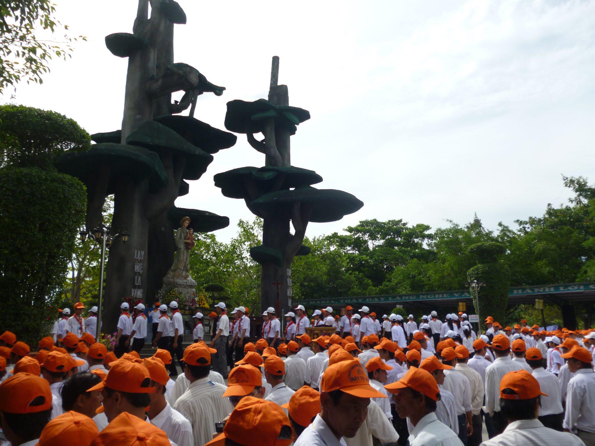 Lễ Bế Mạc Năm Thánh 2010 và Đại Hội La Vang 29 – Những tấm gương phục vụ ở La Vang