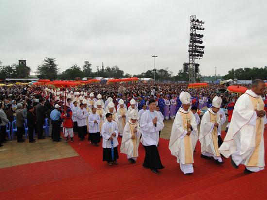 Hình ảnh Thánh Lễ Bế Mạc Năm Thánh 2010 và Đại Hội La Vang 29