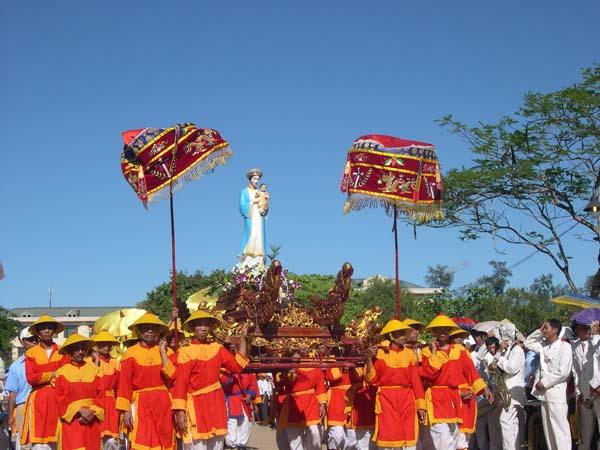 Hành Hương Mẹ La Vang Dâng Thánh Lễ Minh Niên 2014 4N3Đ