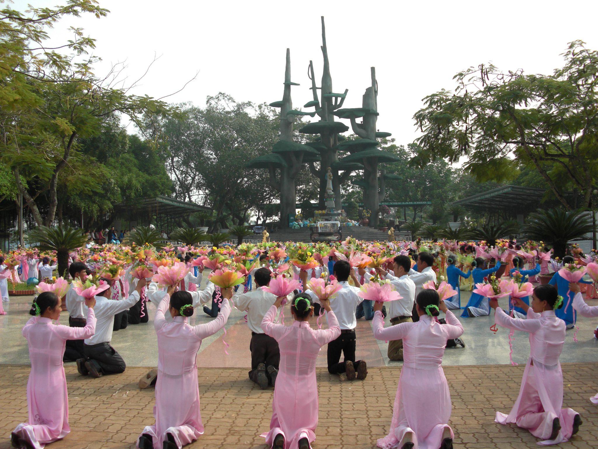 Lễ hành hương tháng 5 tại Trung tâm Toàn Quốc Thánh Mẫu La Vang