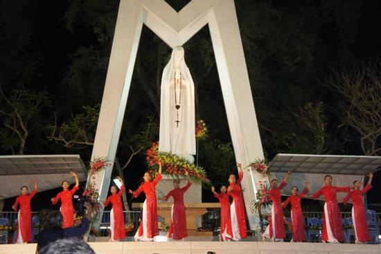 Hình ảnh Hành Hương Mẹ Fatima Vĩnh Long 5.2012