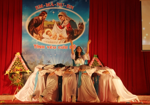TTHH Đức Mẹ Trà Kiệu: Đêm Vọng Giáng Sinh 2013