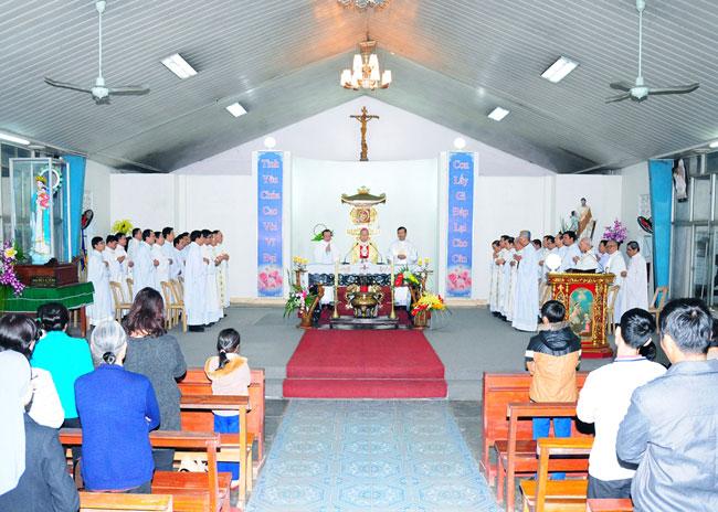 TTHH Đức Mẹ La Vang dâng Thánh Lễ thứ bảy đầu tháng (6.12.2014)