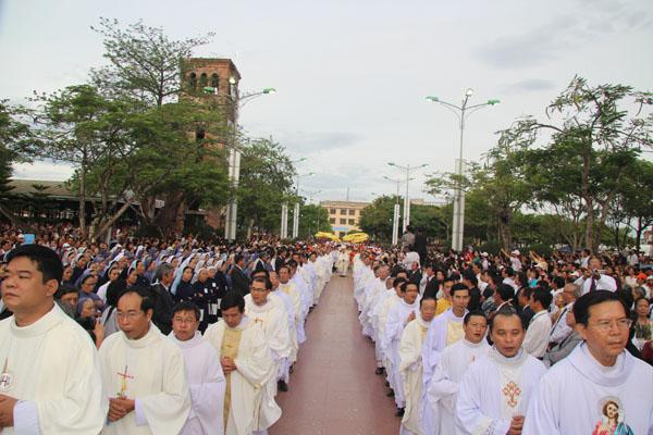 Hành Hương Mẹ La Vang Dâng Thánh Lễ Minh Niên 2014 3N2Đ