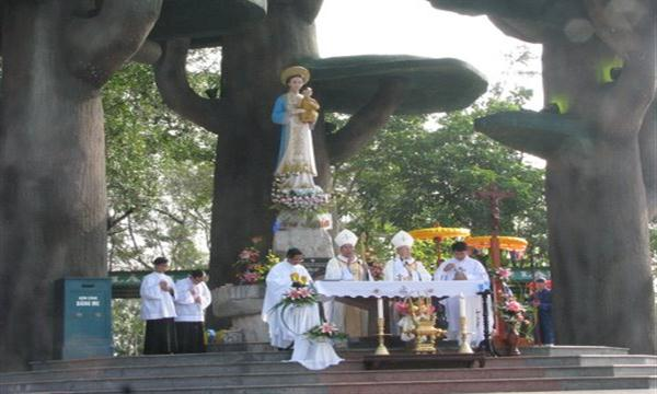 Lễ Mẹ Vô Nhiễm tại Trung Tâm Thánh Mẫu La Vang – 2009