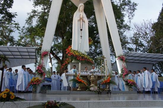 Hành hương Đức mẹ Fatima Vĩnh Long 5.2012