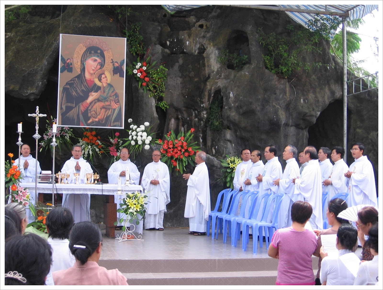 Đức Mẹ hiện hình tại Họ La Mã, Bến Tre, Việt Nam