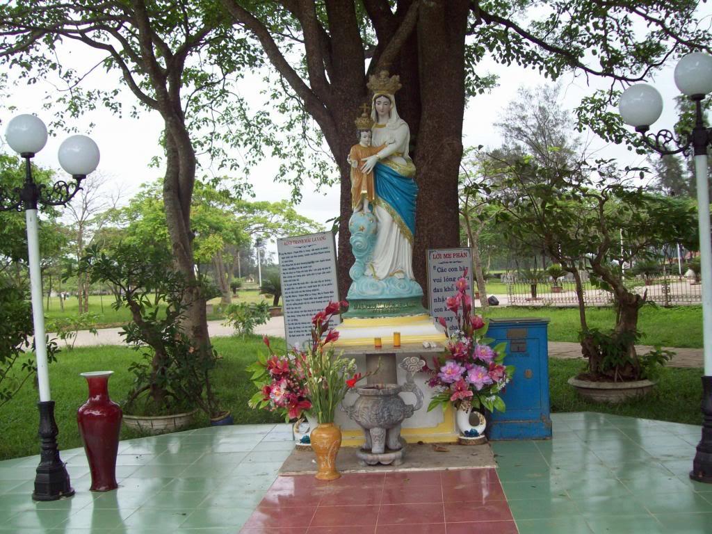 Lịch sử bằng hình ảnh Trung tâm Thánh mẫu La Vang – Việt Nam (1798 – 2013)