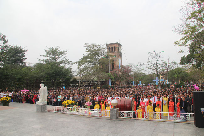 04 - LaVang - MinhNien 2015